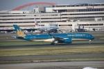 wingace752さんが、羽田空港で撮影したベトナム航空 A350-941XWBの航空フォト(写真)