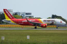 Tomo-Papaさんが、成田国際空港で撮影したベトジェットエア A320-214の航空フォト(写真)