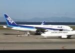 ころちゃんさんが、中部国際空港で撮影した全日空 777-281の航空フォト(写真)