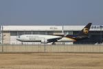 zero1さんが、成田国際空港で撮影したUPS航空 767-34AF/ERの航空フォト(写真)