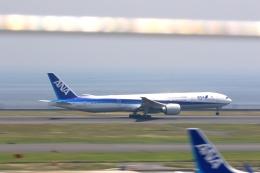 tomoyonさんが、羽田空港で撮影した全日空 777-381/ERの航空フォト(写真)