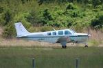 JA882Aさんが、能登空港で撮影した日本個人所有 A36 Bonanza 36の航空フォト(写真)