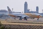Timothyさんが、成田国際空港で撮影したノックスクート 777-212/ERの航空フォト(写真)