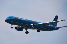 Tommy Kooさんが、香港国際空港で撮影したベトナム航空 A321-231の航空フォト(写真)