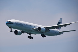 Tommy Kooさんが、香港国際空港で撮影したキャセイパシフィック航空 777-367の航空フォト(写真)