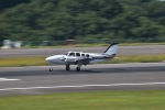 Saeqeh172さんが、高松空港で撮影した朝日航空 Baron G58の航空フォト(写真)