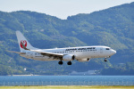 なないろさんが、長崎空港で撮影した日本航空 737-846の航空フォト(写真)