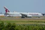 シュウさんが、成田国際空港で撮影したカタール航空 777-2DZ/LRの航空フォト(写真)