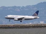 職業旅人さんが、サンフランシスコ国際空港で撮影したユナイテッド航空 A319-131の航空フォト(写真)