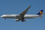 小弦さんが、バンクーバー国際空港で撮影したルフトハンザドイツ航空 A330-343Xの航空フォト(写真)