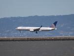 職業旅人さんが、サンフランシスコ国際空港で撮影したユナイテッド航空 757-222の航空フォト(写真)