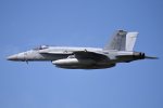 Aurora56さんが、厚木飛行場で撮影したアメリカ海軍 F/A-18E Super Hornetの航空フォト(写真)