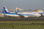 bb212さんが、成田国際空港で撮影した全日空 737-881の航空フォト(写真)
