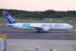いっとくさんが、成田国際空港で撮影した全日空 767-381F/ERの航空フォト(写真)