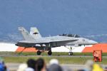 ばとさんが、岩国空港で撮影したアメリカ海兵隊 F/A-18D Hornetの航空フォト(写真)