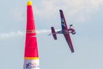 岡崎美合さんが、幕張海浜公園(レッドブル・エアレース会場内)で撮影したスロベニア企業所有 Edge 540 V2の航空フォト(写真)
