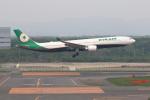 prado120さんが、新千歳空港で撮影したエバー航空 A330-302の航空フォト(写真)