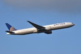sepia2016さんが、成田国際空港で撮影したユナイテッド航空 777-322/ERの航空フォト(写真)