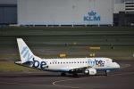 flying-dutchmanさんが、アムステルダム・スキポール国際空港で撮影したフライビー ERJ-170-200 (ERJ-175STD)の航空フォト(写真)
