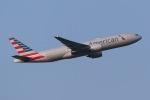 じゃがさんが、成田国際空港で撮影したアメリカン航空 777-223/ERの航空フォト(写真)