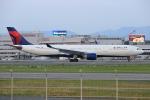 板付蒲鉾さんが、福岡空港で撮影したデルタ航空 A330-323Xの航空フォト(写真)