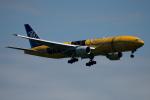 チャッピー・シミズさんが、新千歳空港で撮影した全日空 777-281/ERの航空フォト(写真)