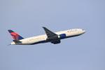 気分屋さんが、成田国際空港で撮影したデルタ航空 777-232/LRの航空フォト(写真)