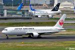 吉田高士さんが、羽田空港で撮影した日本航空 767-346/ERの航空フォト(写真)