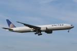 宮崎 育男さんが、成田国際空港で撮影したユナイテッド航空 777-322/ERの航空フォト(写真)