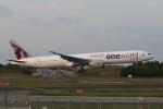宮崎 育男さんが、成田国際空港で撮影したカタール航空 777-3DZ/ERの航空フォト(写真)