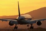 ドラパチさんが、伊丹空港で撮影した全日空 777-281の航空フォト(写真)