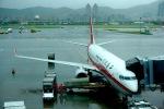 Harry Lennonさんが、台北松山空港で撮影した上海航空 737-89Pの航空フォト(写真)
