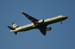 MOHICANさんが、福岡空港で撮影したエバー航空 A321-211の航空フォト(写真)