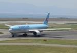 国府宮さんが、関西国際空港で撮影した大韓航空 777-2B5/ERの航空フォト(写真)