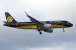 KAW-YGさんが、ロンドン・ヒースロー空港で撮影したユーロウイングス A320-214の航空フォト(写真)