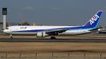航空見聞録さんが、伊丹空港で撮影した全日空 767-381の航空フォト(写真)