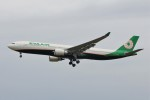 YASKYさんが、成田国際空港で撮影したエバー航空 A330-302の航空フォト(写真)