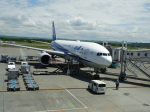 O.TAKUMAさんが、新千歳空港で撮影した全日空 777-281/ERの航空フォト(写真)