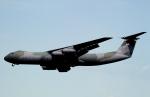 チャーリーマイクさんが、横田基地で撮影したアメリカ空軍 C-141B Starlifterの航空フォト(写真)