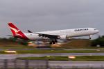 ぎんじろーさんが、成田国際空港で撮影したカンタス航空 A330-303の航空フォト(写真)
