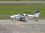 commet7575さんが、熊本空港で撮影した崇城大学 G58 Baronの航空フォト(写真)