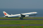 tkosadaさんが、羽田空港で撮影した中国国際航空 A330-343Eの航空フォト(写真)