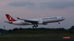 raichanさんが、成田国際空港で撮影したターキッシュ・エアラインズ A330-303の航空フォト(写真)