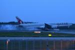sepia2016さんが、成田国際空港で撮影したカタール航空 777-3DZ/ERの航空フォト(写真)