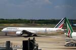 JA946さんが、成田国際空港で撮影したエールフランス航空 777-328/ERの航空フォト(写真)