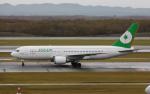 airbandさんが、新千歳空港で撮影したエバー航空 767-25Eの航空フォト(写真)