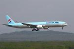 khideさんが、新千歳空港で撮影した大韓航空 777-3B5/ERの航空フォト(写真)