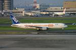 ころころさんが、羽田空港で撮影した全日空 767-381/ERの航空フォト(写真)
