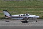 カンクンさんが、名古屋飛行場で撮影した朝日航空 Baron G58の航空フォト(写真)