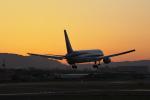 おぺちゃんさんが、伊丹空港で撮影した全日空 767-381の航空フォト(写真)